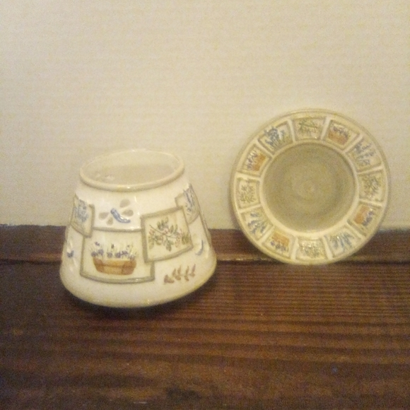 Yankee Candle Plate and Shade